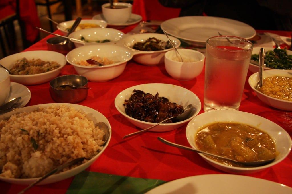 Köstliches Abendessen in Sri Lanka