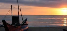 Sonnenaufgang am Strand von Arugam Bay