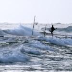 Stelzenfischer arbeiten auch bei rauher See