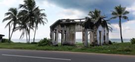 Vom Tsunami verwüstetes Haus an der Küste von Sri Lanka